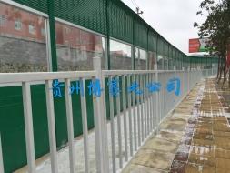 贵龙大道防撞栏杆、声屏障施工